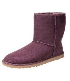 #UGGAustralia #uggboots #ugg CLASSIC SHORT #Stivali da neve viola Prezzo: €