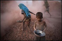 Angels in hell – A photographer captures child labor in Bangladesh - Religion, Picture Blog, Reportage Photo, Child Face, Documentary Photographers, Photo Story, Working With Children, Children Play, My Images
