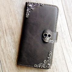 New Gothic Skull phone wallet Leather flip case Stand cover For iPhone 8 11 XR Coque Iphone 4, Iphone 8, Iphone 6 Plus Case, Cell Phone Wallet, Diy Phone Case, Cell Phone Cases, Iphone Cases, Iphone Price, Accessoires Iphone