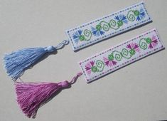 bookmark tutorial I've been making lots of bookmarks of late as gifts for friends using different methods. When I have time to stitch designs for both back and front, I do - and then assemble much the same way as I .I've been making lots of bookmarks of Cross Stitch Books, Cross Stitch Bookmarks, Crochet Bookmarks, Cross Stitch Borders, Cross Stitch Charts, Cross Stitch Designs, Cross Stitching, Cross Stitch Embroidery, Cross Stitch Patterns