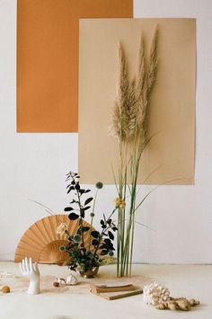 Direction & Still Life with Camel colour for MLLM / Beautiful photo by Alba Yruela and Art direction & Style by Nia Delfau Floral design by Estudio Sauvage Arte Floral, Deco Floral, Floral Design, Palettes Color, Fotografie Hacks, Photo Deco, Deco Boheme, Diy Inspiration, Prop Styling