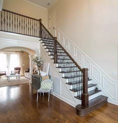 Gothic Wrought Iron Balusters bring an old world look to the house. These iron balusters are hammered throughout the baluster to give the staircase a more detailed look. Rustic Farmhouse Entryway, Iron Balusters, Railings, Staircase Makeover, Home Remodeling Diy, Wooden Stairs, Staircase Design, Staircase Diy, Trends 2018