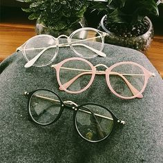Kawaii Circle Glasses - Rebel Style Shop - Look cute and smart at the same time with this fashion eyewear. Choose among three frame colors - clear, black, pink - or get them all to match your various outfits. Circle Glasses, Cute Glasses, Glasses Frames, Glasses Outfit, Glasses Shop, Glasses Style, Harajuku Mode, Harajuku Fashion, Kawaii Fashion