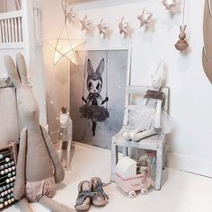Only a few hours left to shop our Boxing Day Sale people! Enter code STYLISHKIDS at checkout to receive 20% off storewide. Beautiful pic @mreiness featuring our Oyoy wooden Bunny and Miss Astrid print by Mrs Mighetto x