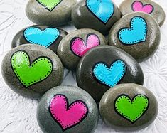 Pink Heart Stone, Single or Double Heart Painted Rock, Party Favors, Anniversary favours, Valentines Day gift - Steine - Heart Painting, Pebble Painting, Pebble Art, Stone Painting, Chalk Painting, Dot Painting, Rock Painting Patterns, Rock Painting Ideas Easy, Rock Painting Designs