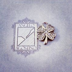Il Quadrifoglio. Prezioso portafortuna. #AgostinoIncastonature 💎 #LuxuryJewellery #StoneSetting #DiamondSetting #Handmade #MadeInItaly
