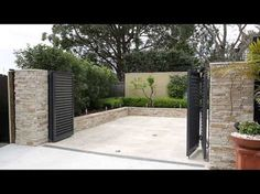 Talbot Automatic Bi-Fold Swing Gates - YouTube