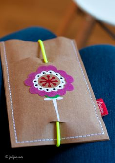 Handytasche aus SnapPap mit Poppy Go Lucky beflockt – von @jolijou