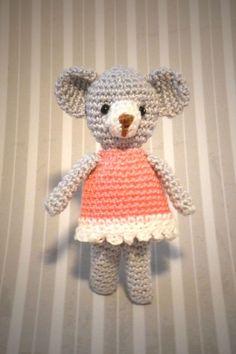 Crochet bear by Annie's Granny Design, pattern by Jennyandteddy Creation