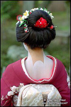 Back view of a Geisha girl