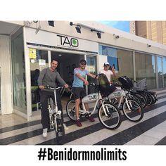Estos chicos de #ourense van a descubrir un nuevo #benidorm con #taobike la mejor manera de moverse y descubrir la ciudad #ecotourism #responsibletourism #benidormnolimits #ElectricBikes #BicicletasEléctricas