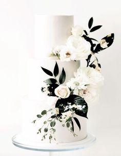 Featured Wedding Cake:Ruze Cake House;www.ruzecakehouse.com; Wedding cake idea.
