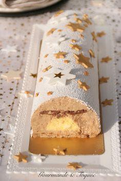 Gourmande & Toquée: Bûche étoilée noisette & citron Dessert Aux Fruits, Christmas Mood, Something Sweet, Lunch Box, Cupcake, Cheese, Desserts, Food, Nouvel An