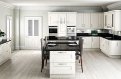 Shaker Classic Fitted Kitchen in Ivory