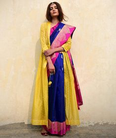 Some fun and glam ways of wearing sarees for bridesmaids -Awesomelifestylefashion . Indian Attire, Indian Ethnic Wear, Indian Outfits, Saree Wearing Styles, Saree Styles, Sari Draping Styles, Metallic Blouses, Sari Blouse Designs, Stylish Sarees