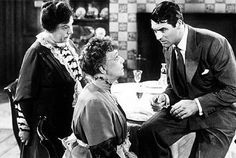 Arsenic and Old Lace is a 1944 dark comedy movie starring Cary Grant. Arsenic and Old Lace was based on the successful stage play of the same name. Cary Grant, Golden Age Of Hollywood, Classic Hollywood, Old Hollywood, Hollywood Stars, Turner Classic Movies, Classic Films, Movie Stars, Movie Tv