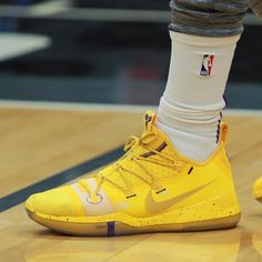 """404f01d5e38 Bleacher Report Kicks on Instagram  """" Kuz wearing another colorway of the  Nike Kobe A.D. against the Kings."""""""