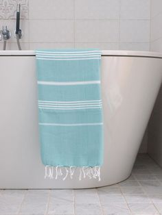 Hamamtücher Bestseller in 18 Farben & 3 Größen 150 g/m² Green And Grey, Blue And White, Greek Blue, Blue Towels, Lavender Blue, Turkish Towels, Striped Linen, Workout Rooms, Beach Towel