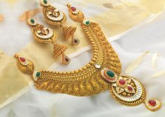 Jewelry OFF! Jewellery set at best price online for women Gold Jewelry Simple, 18k Gold Jewelry, Gold Jewellery Design, Bridal Jewelry, Antique Necklace, Gold Necklace, Necklace Designs, Fashion Jewelry, Sell Gold
