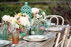 Tablescaping to Set Your Wedding Style • Flowers, plates, candles, settings | Island Weddings