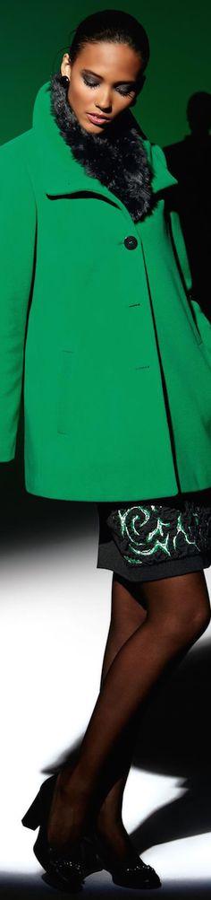 More Madeleine Autumn/Winter Arrivals (Updated) Green Fashion, Colorful Fashion, Winter Fashion, Madeleine Fashion, Cashmere Jacket, Green Jacket, Green Coat, Fashion Brand, Womens Fashion