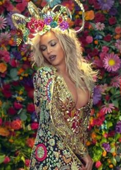 """#Coldplay and #Beyoncé video """"Hymn for the Weekend"""" - released 1/16"""
