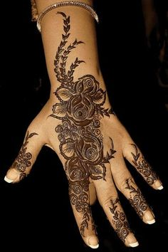 Your appreciation and crazy interest in Mehndi designs motivated me to bring before you yet another exciting and awesome post of Indian Mehndi designs & henna patterns. Mehndi gives… Mehandi Designs, Mehandi Design For Hand, Indian Mehndi Designs, Mehndi Designs For Girls, Bridal Mehndi Designs, Henna Tattoo Designs, Hena Designs, Mehndi Images, Art Designs