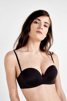 d2f6bd17f2785 Size UK - Adds 2 full cup sizes for the most cleavage and fullness.  Strapless wireless push up bra. - Can be worn classic