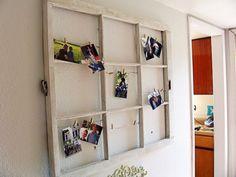 DIY déco avec cadre en vielle fenêtre avec des photos et pinces