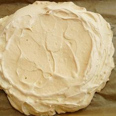 Dort Pavlova podle originálního receptu z Nového Zélandu Pavlova, Icing, Peanut Butter, Food, Essen, Meals, Yemek, Eten, Nut Butter