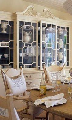 Maison Decor: Painted Cabinets