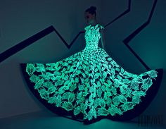 Rami Kadi Fall-winter 2015-2016 - Couture - http://www.orientpalms.com/rami-kadi-5742