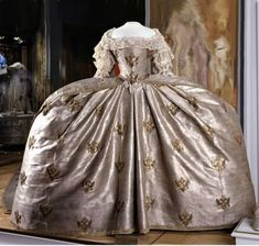 """Coronation dress of Empress Catherine II [of Russia], 1762"" (quote - Google translate) via  http://aoro.diary.ru"