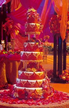 Love this bright cake! red petals, seven tier red wedding cake, white embroidered, amazing Indian Wedding Cakes, Big Fat Indian Wedding, Amazing Wedding Cakes, Indian Weddings, Indian Cake, Indian Party, Cupcakes, Cupcake Cakes, Desi Wedding