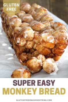 This easy gluten free monkey bread recipe is made from scratch- no Bisquick mix or canned biscuits needed. Using my easy gluten free pizza dough recipe as a base you simply cut small rounds dip in butter and then roll in cinnamon and sugar! Winter Desserts, Köstliche Desserts, Gluten Free Desserts, Delicious Desserts, Dessert Recipes, Easy Gluten Free Recipes, Yummy Food, Gluten Free Monkey Bread Recipe, Gluten Free Baking