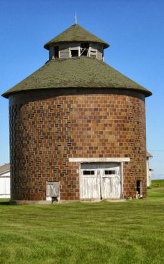 Round Brick Barn
