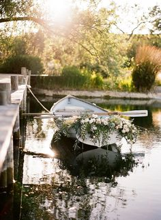 Wedding row boat with flowers #weddingrowboat @weddingchicks