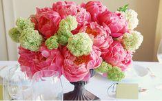 LOVE this peony and hydrangea arrangement