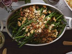 Green beans get a French-inspired makeover in this delicious side dish. Serve it with Thanksgiving turkey for a fast and satisfying side or toss it together for an elevated weeknight treat! Recipe: French Green Beans and Garlicky Almond Breadcrumbs Thanksgiving Side Dishes, Thanksgiving Recipes, Thanksgiving Turkey, Christmas Recipes, Green Bean Recipes, Vegetable Recipes, French Green Beans, Pernil, Bean Casserole