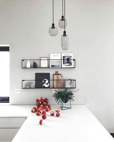 For et utrolig stilfullt bilde fra Meert hyllene har vi på lag Kitchen Interior, Interior Design Living Room, Kitchen Decor, Küchen Design, House Design, Design Trends, Design Ideas, Decor Room, Living Room Decor