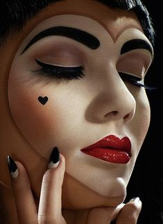 Crazy Halloween Makeup Queen of Hearts