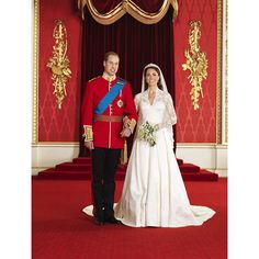 HRH Prince William and Ms Catherine Middleton - the Duke and Duchess of Cambridge. Royal wedding 2011 official portraits by Hugo Burnand -- Kate Middleton's Wedding Dress designed by Sarah Burton (Alexander McQueen) William Kate, Prince William And Catherine, William Arthur, Duke William, William Windsor, Prince Philip, Royal Wedding 2011, Royal Weddings, Diana Wedding