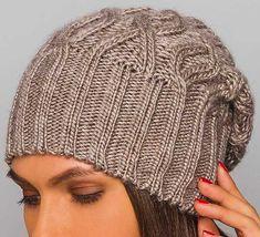 Интересная модель женской шапки, связанной спицами — изделие в тренде 2018 года. Представлено в каталоге известного производителя, ну а я нашла примерное описание на Стране Мам, точнее, женщи…