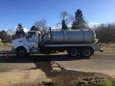 1997 Ford Aeromax Septic Truck for sale by owner on Heavy Equipment Registry  http://www.heavyequipmentregistry.com/heavy-equipment/16555.htm