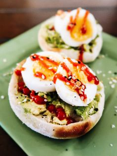 Boiled Egg Breakfast Ideas, Egg Recipes For Breakfast, Breakfast Dishes, Hard Boiled Egg Recipes, English Muffin Recipes, Most Nutritious Foods, Tasty Bites, Boiled Eggs, Cooking Recipes