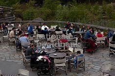 mensen op het terras