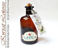 Olejek do masażu Rozmaryn i Zielona Herbata 100 ml Lavea Działa przeciwzapalnie i bakteriobójczo oraz łagodzi reakcje alergiczne. Pielęgnuje i oczyszcza skórę, ujędrnia i poprawia jej ukrwienie. Wspomaga naturalną ochronę skóry.