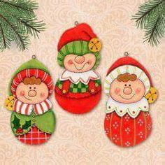 Patterns for all seasons and reasons to decorate your home, make as gifts or to sell at craft fairs. Christmas Drawing, Christmas Paintings, Wood Ornaments, Xmas Ornaments, Christmas Elf, Christmas Crafts, Santa's Little Helper, Christmas Gift Decorations, Holiday Pictures