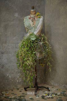 Flower manequin