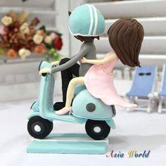 Wedding Cake topper Wedding Clay Couple on Vespa in por AsiaWorld